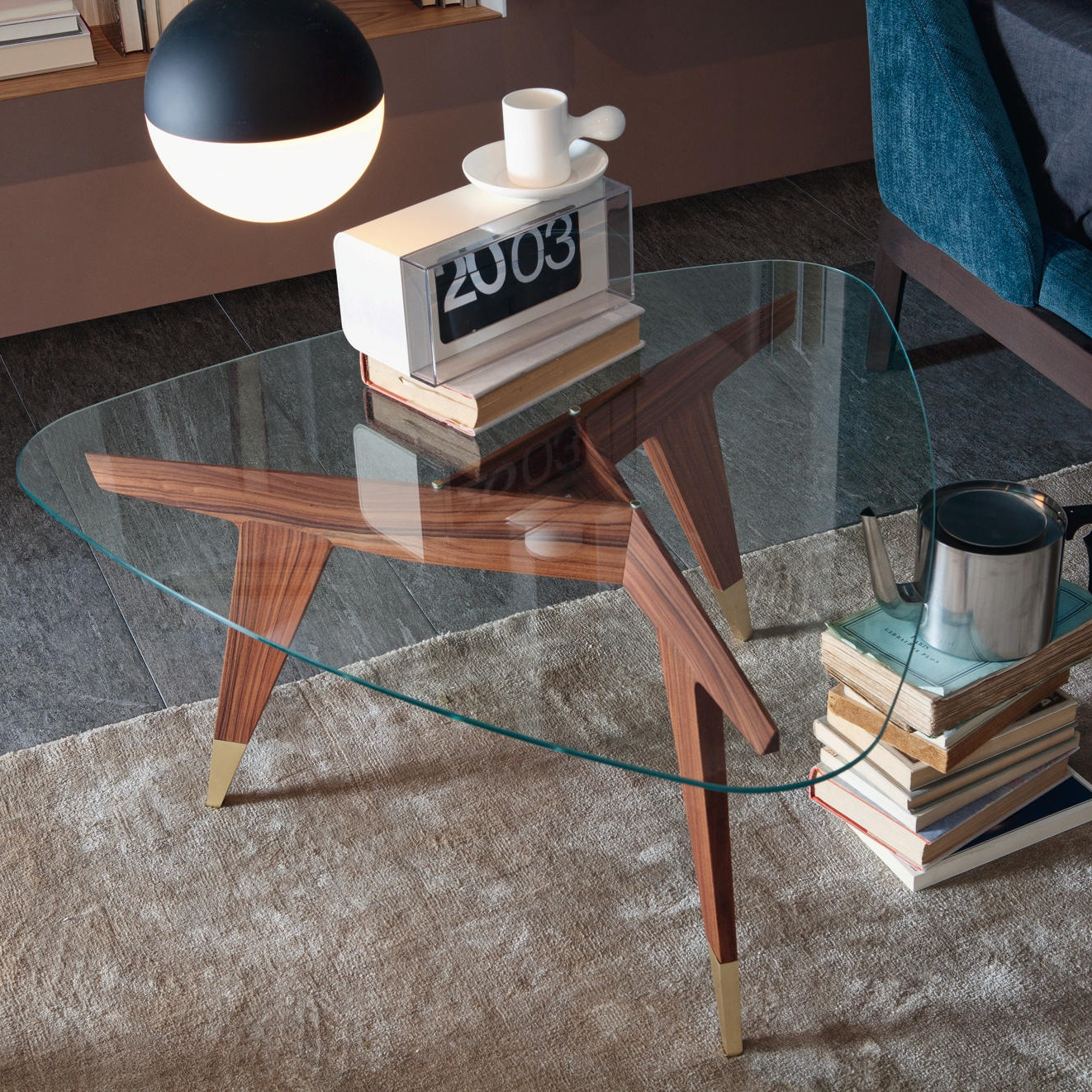 D.552.2 LOW TABLE