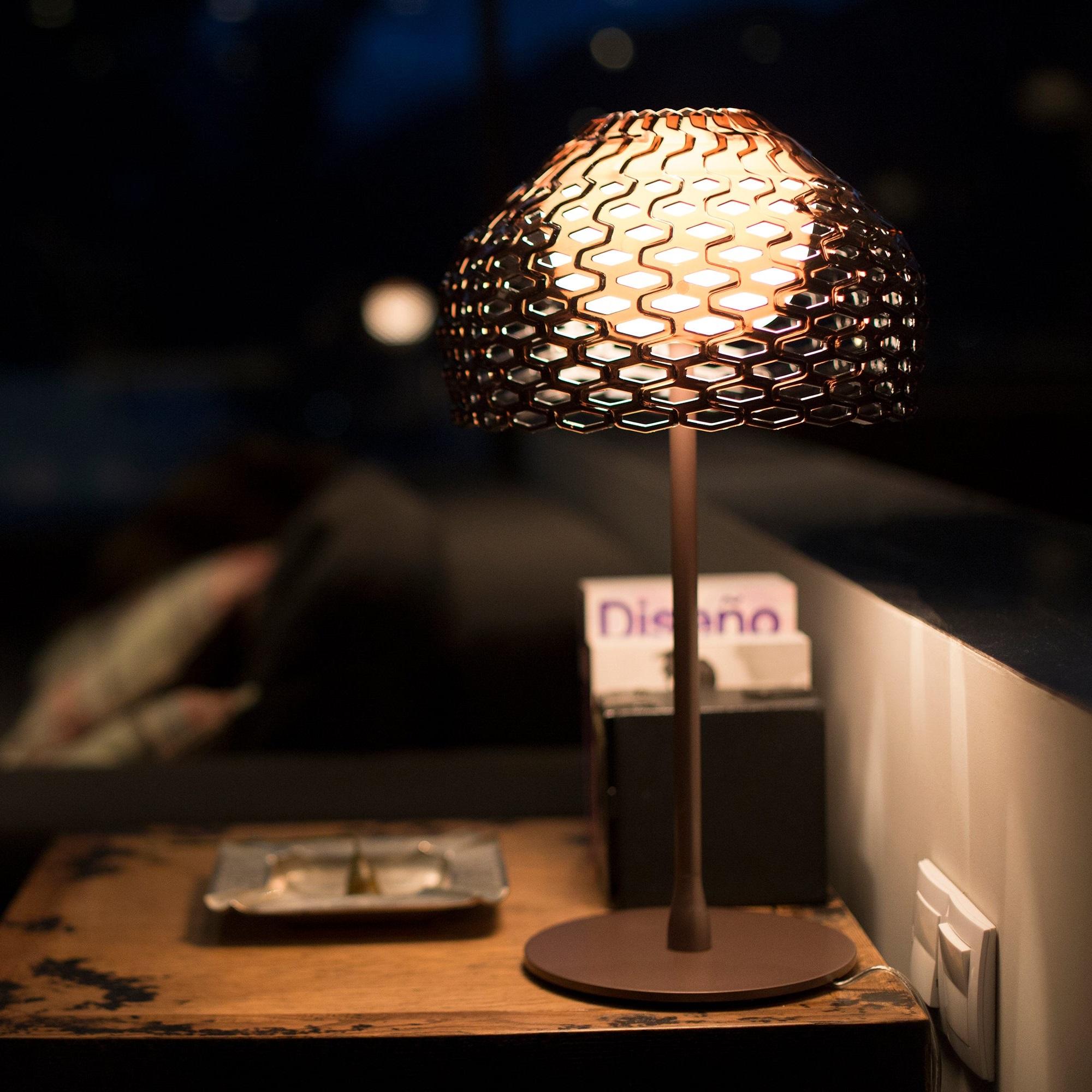 FLOS TATOU TABLE LIGHT