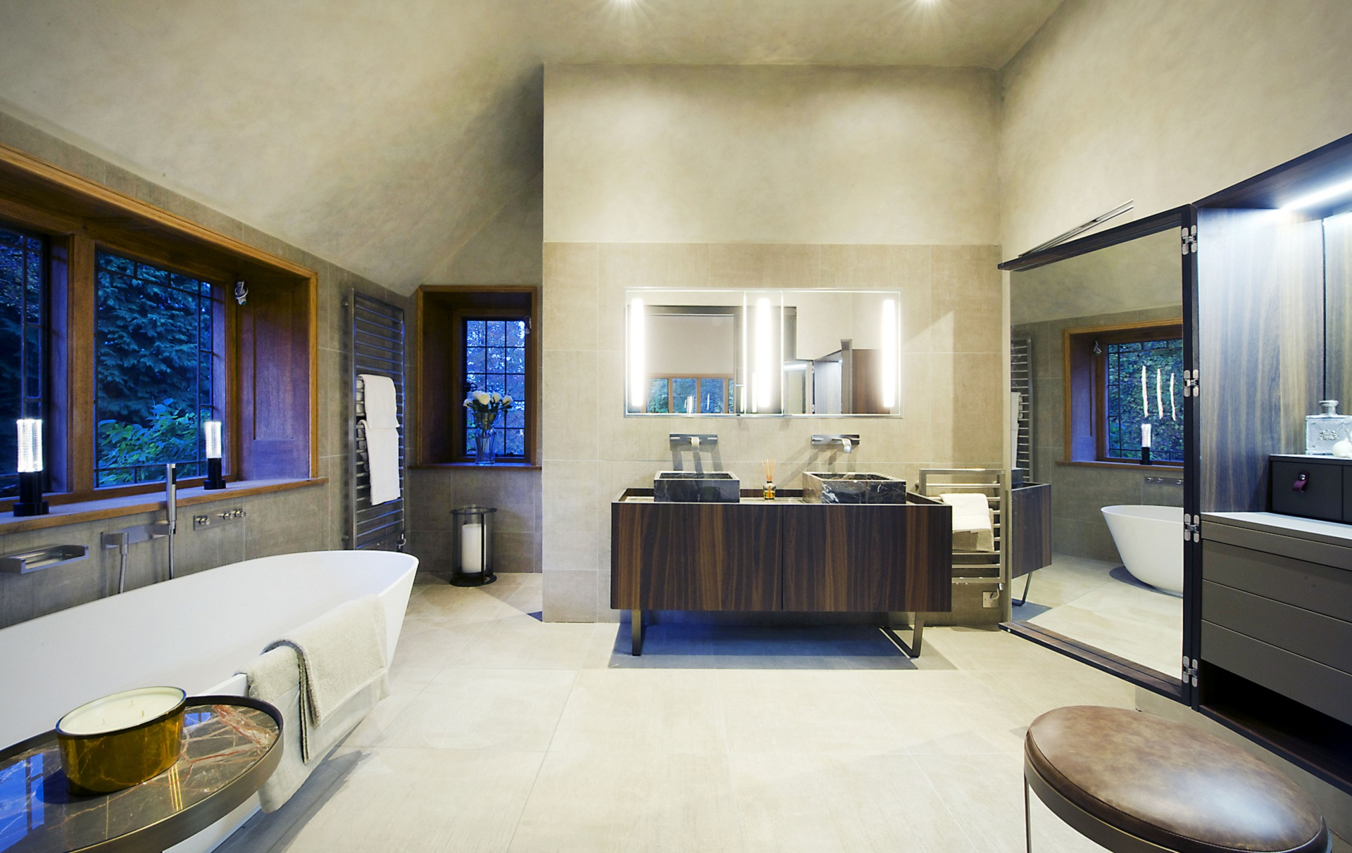 Featured project by Dream Design Interiors. Luxury bathroom.