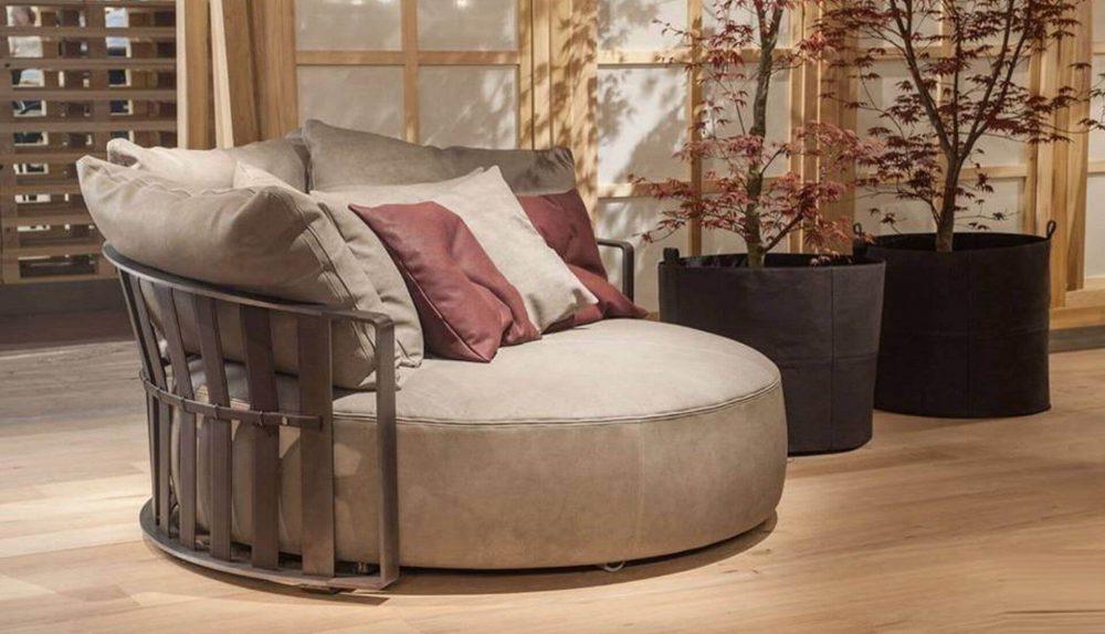 Poltrona Frau Scarlett Round Sofa