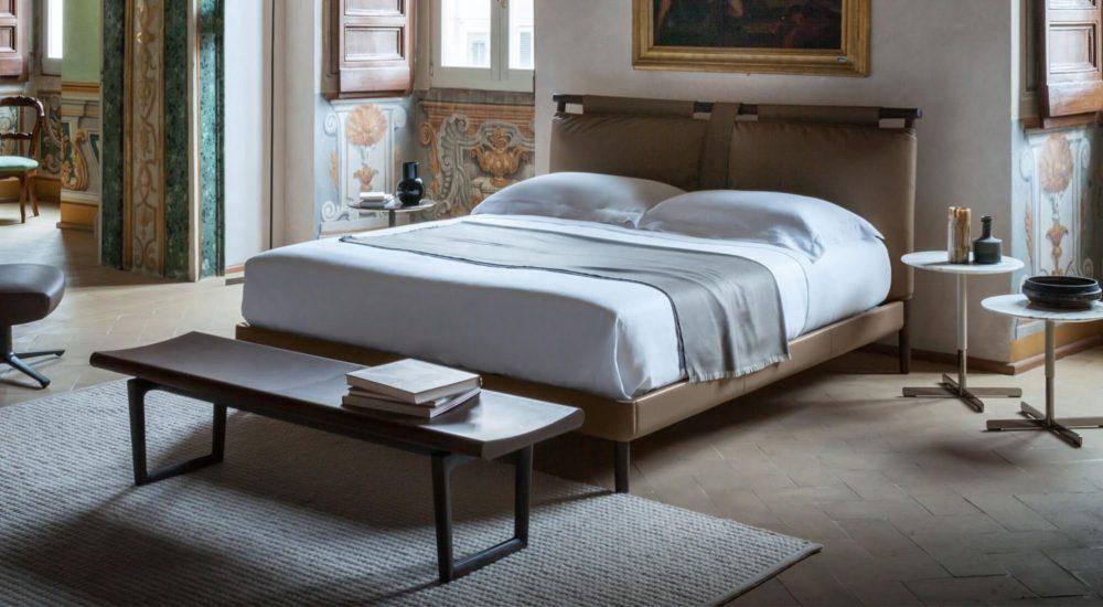 Poltrona Frau Times Bed
