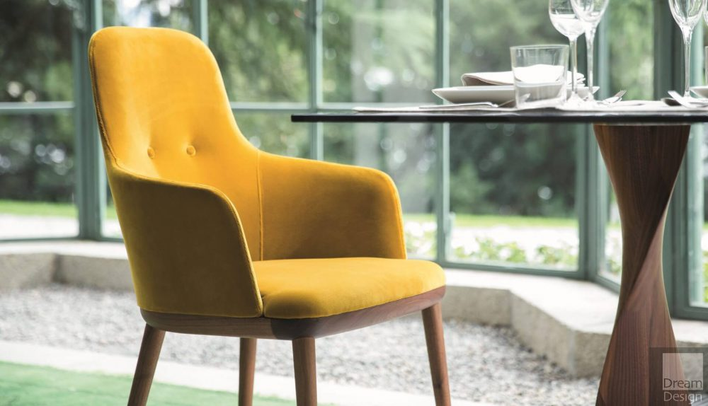 Porada Connie Armchair