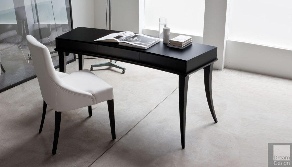 Porada Hugó Desk