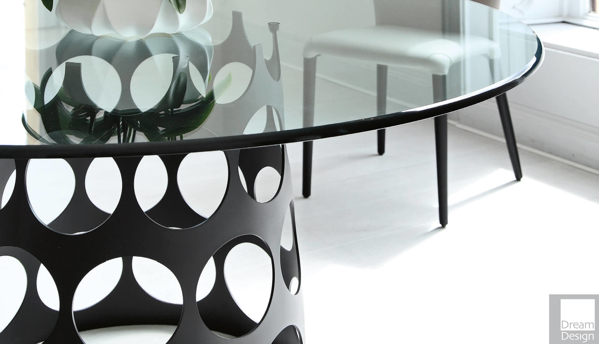 Porada Jean Round Glass Table