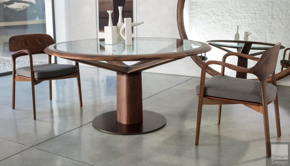 Porada Trunk Table