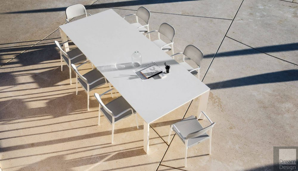 Varaschin Dolmen Table